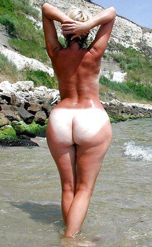Thick Bubble Butt Latina